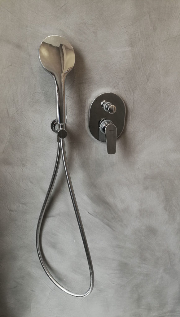 sara ranieri architecte grey resin shower