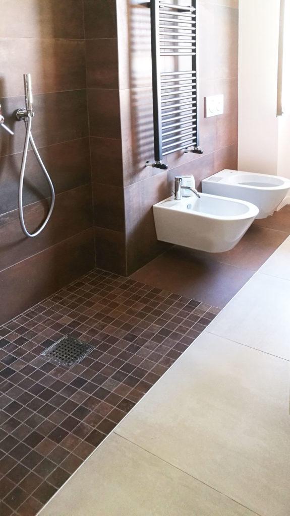 sara-ranieri-architect-bathroom-rusty-tiles