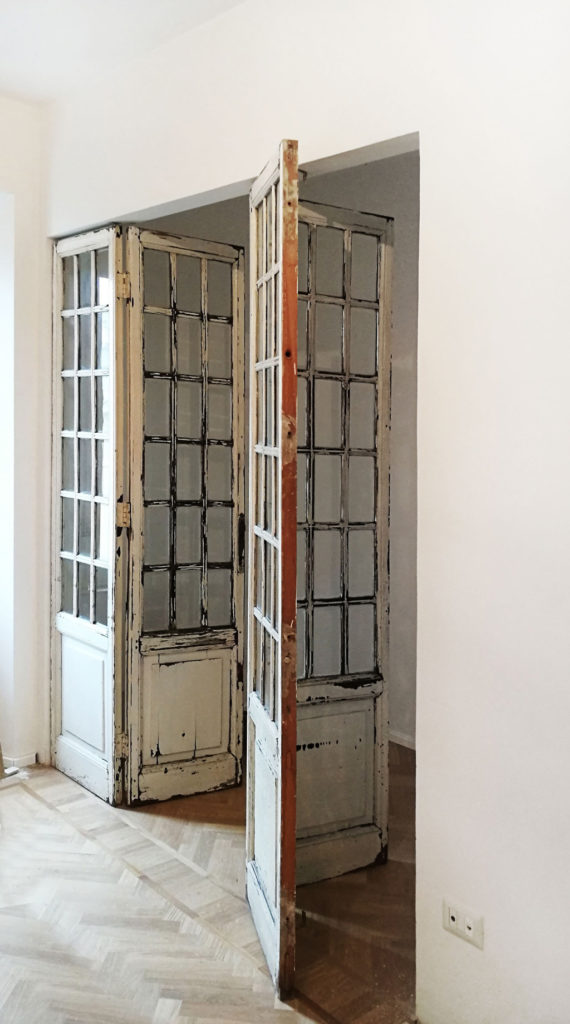 sara-ranieri-architect-walk-in-closet-vintage